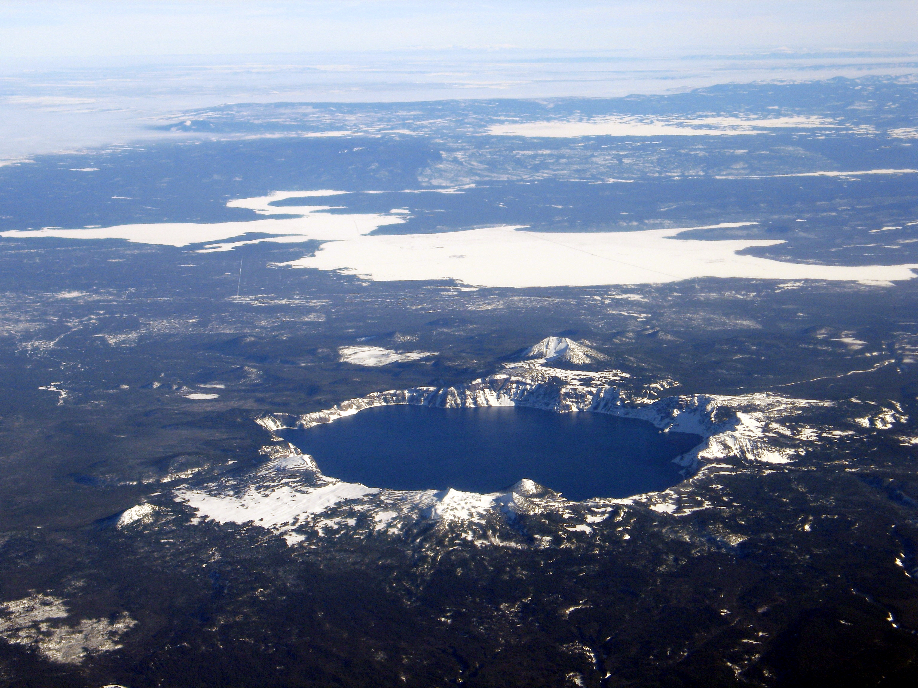 Crater Lake, A Lake in Oregon - Travelling Moods