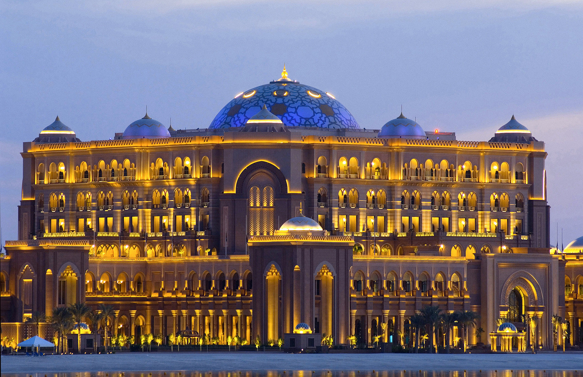 Emirates palace travelling moods for Hotel palace