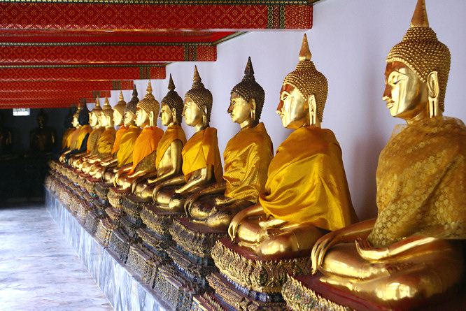Wat Pho, A Temple in Bangkok - Travelling Moods