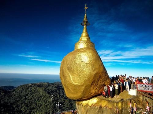 kyaiktiyo pagoda