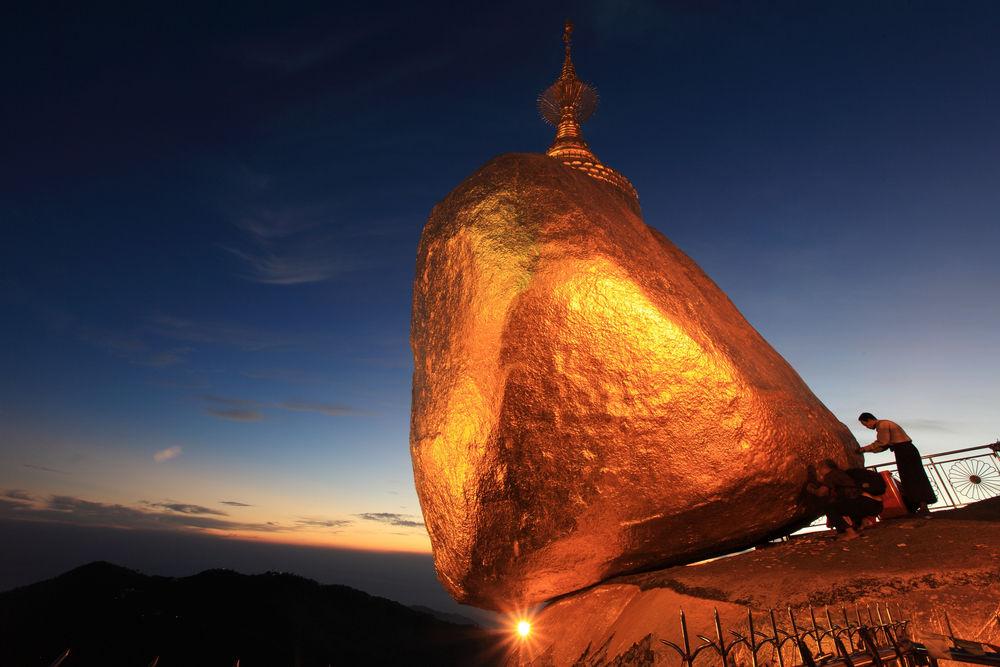 Kyaiktiyo Pagoda In Myanmar Travelling Moods