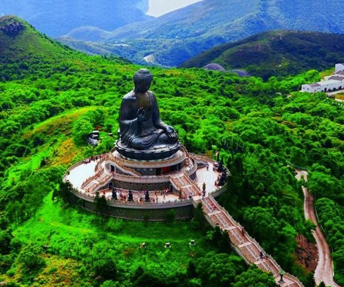 Tian-Tan-Buddha-on-Lantau-Island-Hong-Kong..
